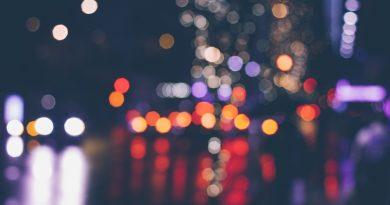 Jazda w nocy i jazda we mgle: kiedy szczególna ostrożność?