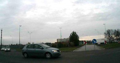 Skrzyżowania na nowych trasach egzaminacyjnych #11 Rondo na Hrubieszowskiej. Zawracamy